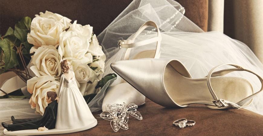 Diferentes accesorios de bodas